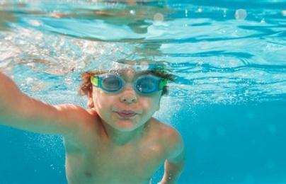 Bé gái nhập viện vì 'chết đuối khô' sau 2 ngày đi bơi