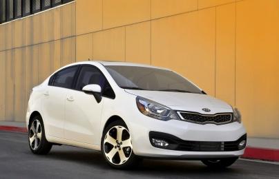 Tư vấn mua ô tô cũ: 4 mẫu xe hạng trung, tiết kiệm xăng nên mua nhất hiện nay