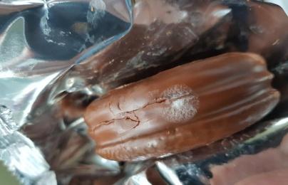 Khách hàng 'tố' bánh Choco-pie Orion Dark bị nấm mốc dù còn hạn sử dụng gần 1 năm