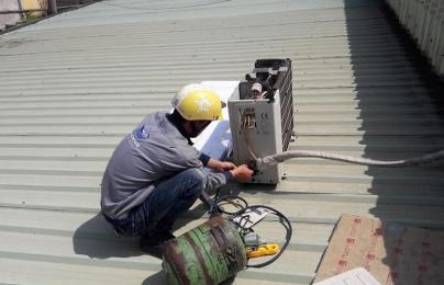 Những điều người dùng cần biết khi nạp gas điều hòa để tránh bị thợ 'chặt chém'