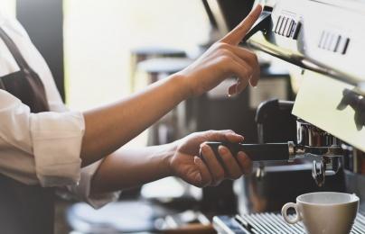 Bà chủ công ty triệu đô và chuyện từng đổ rác, dọn bàn ở quán cafe