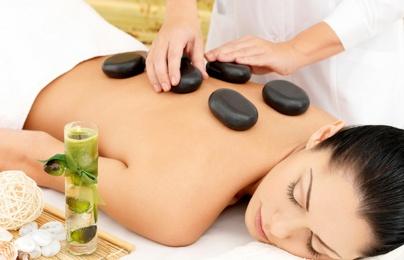 Massage bằng đá nóng tiềm ẩn nhiều rủi ro và không phải ai cũng có thể sử dụng