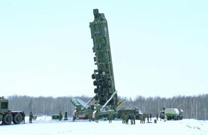 Video: 'Nín thở' trước vũ khí Nga vừa 'ra oai' có thể xé tan mục tiêu ở độ xa 11.000km