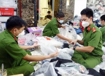An Giang: Thu giữ hơn 3.000 sản phẩm không rõ nguồn gốc