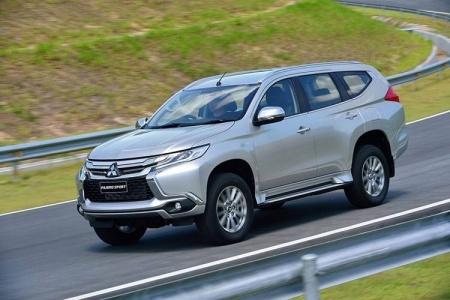 Ô tô SUV 7 chỗ lên đời, tăng giá nên ế ẩm?