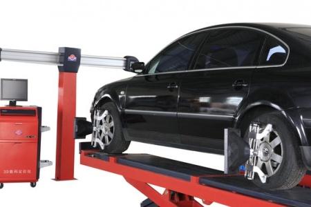 Dấu hiệu cảnh báo cần phải kiểm tra và cân chỉnh góc bánh xe ô tô ngay lập tức