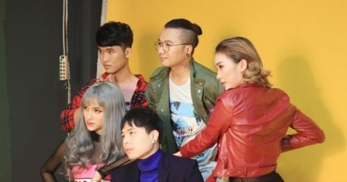 Bộ ảnh concept 'lòe loẹt' của Team Hương Giang tại The Remix