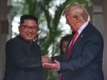 Cập nhật hình ảnh ấn tượng từ cuộc gặp lịch sử giữa ông Donald Trump và ông Kim Jong-un