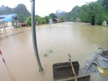Quảng Ninh: Mưa lớn khiến nước dâng cao gần 2m, QL18A bị chia cắt