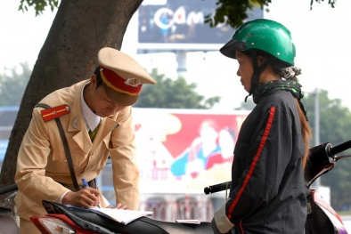 Điều khiển xe máy không giấy phép phạt bao nhiêu?