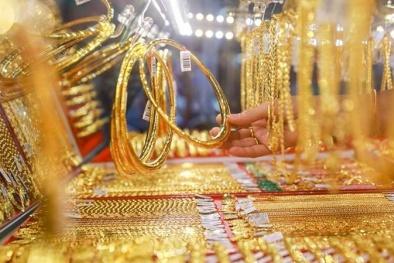 Giá vàng tiếp tục tăng cao: Do lo ngại dịch Covid lây lan nhanh?