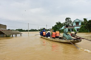 Severe floods, Rao Trang 3 hydroelectricity collapsed: Urgent rescue, ensuring safety of the lake