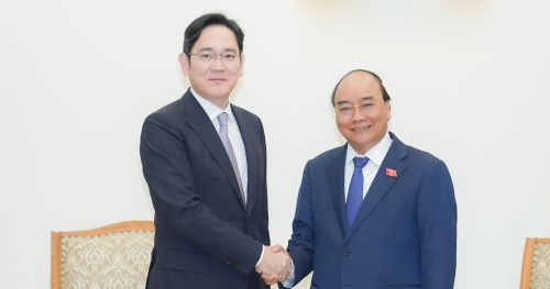 The Prime Minister suggested Samsung invest in semiconductors in Vietnam