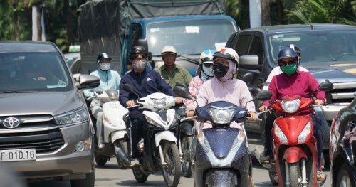 Warning UV index in Hanoi at a very high risk of harm